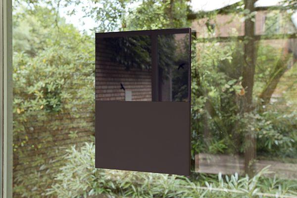 UNSERE ZUKUNFT LIEGT VIELLEICHT AUF DEM MEER, 2015, Miloriblau auf Glas, Caput Mortuum auf Kreidegrund, Holz, 41 × 30 × 2 cm