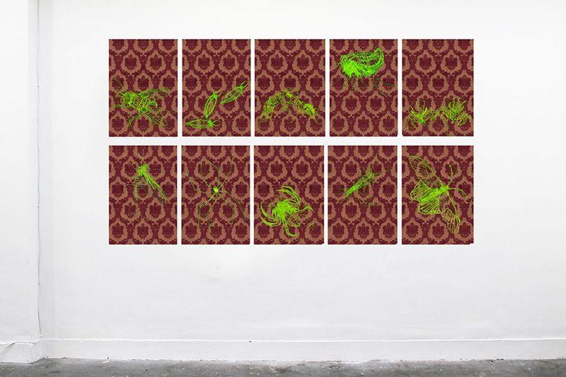 Drosophila&Co. 2011, je 30x21cm, Stickzeichnungen, Fluoreszenzfäden auf Renaissancetapetenmuster