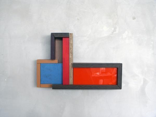 Restenverwertungsobjekt 1, 2015, 25 x 38 x 6 cm, in Basel gefundene Abfallmaterialien.