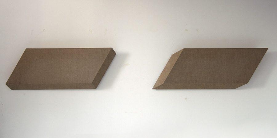 Ungleiches Paar, 2011, je 85 x 30 x 7, Holz Acryl Leinwand