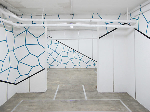 NETWORK 61, 2018, Aluminium tape, adhesive textile tape, Basement, St. Louis/F