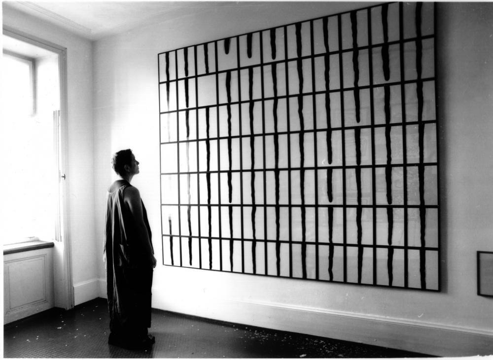 """78 Linee"", 2003, Grösse variabel, Laserstrahl auf Fotopapier"