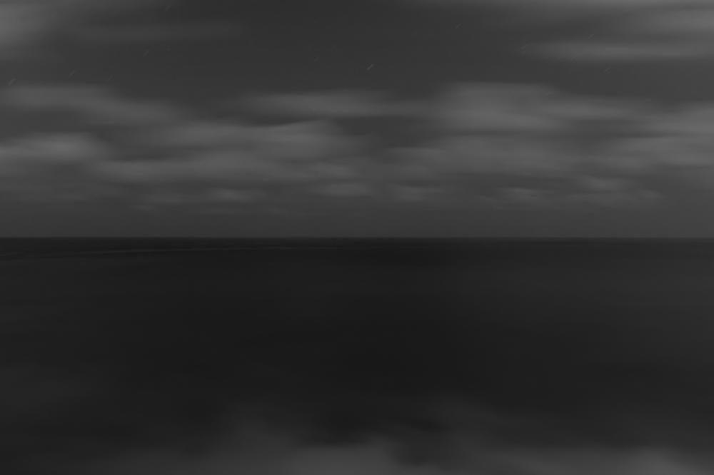 Ich bin hier, und ich betrachte als Mensch das Meer, 2018,100 x 140 cm / Fotografie DiaSec