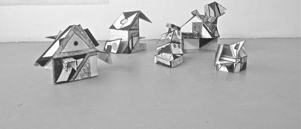 Haus Heimat 2013 - Innerhalb 30x30 - Karton Gips Acryl