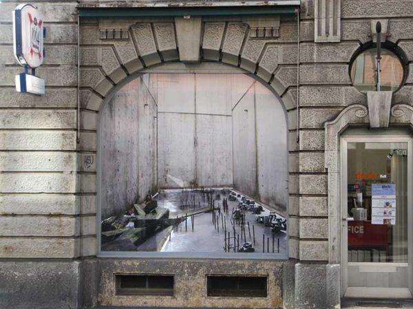 treibhaus, 2010, Fotoinstallation mit Glühbirne, 240x240cm (in 3 Teilen)
