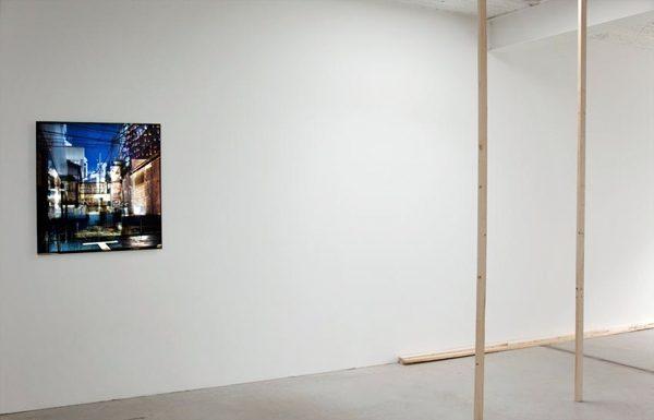 Platz, 2012, Videoprojektion (loop) auf Fotografie, 80 x 85 cm