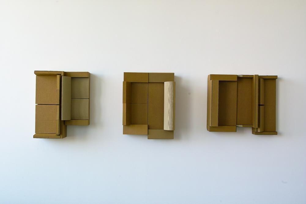 Verdichtetes Wohnen I (dreiteilig) | 2015 | 255 x 55 x 25 cm | Wellpappen