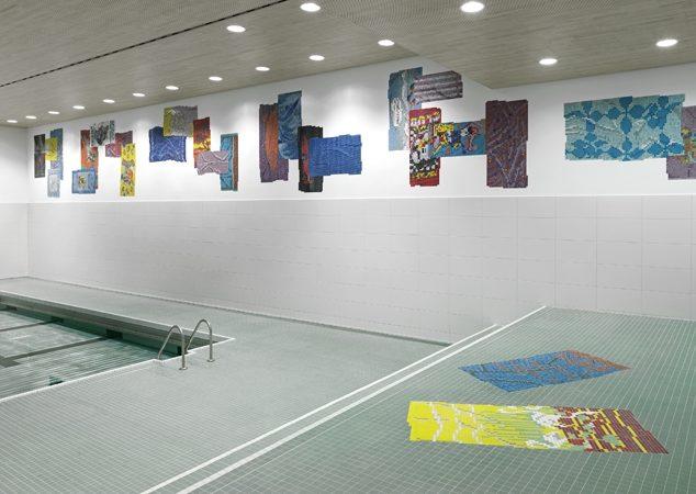 Frotté | 2014 | 34 x 2.5 m | Glasmosaik-Steine | Schwimmhalle Rittergasse Basel