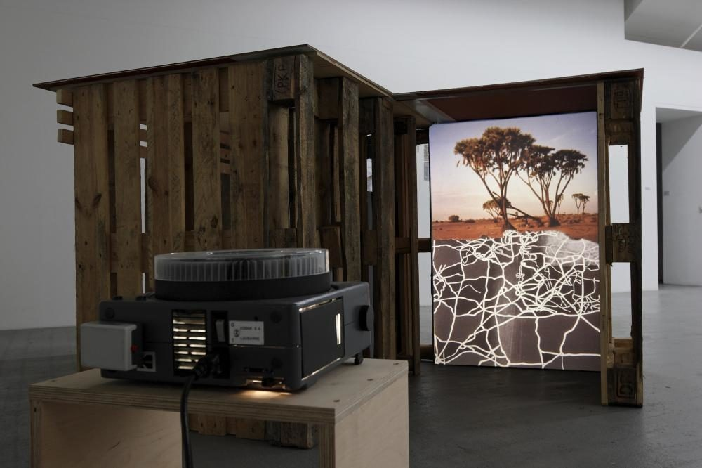 Un deux-mondes, 2007, Installation mit Diashow