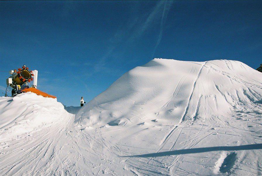 Schneien für 10000.- Schilling, 2001, Kunst im öffentlichen Raum, Tirol