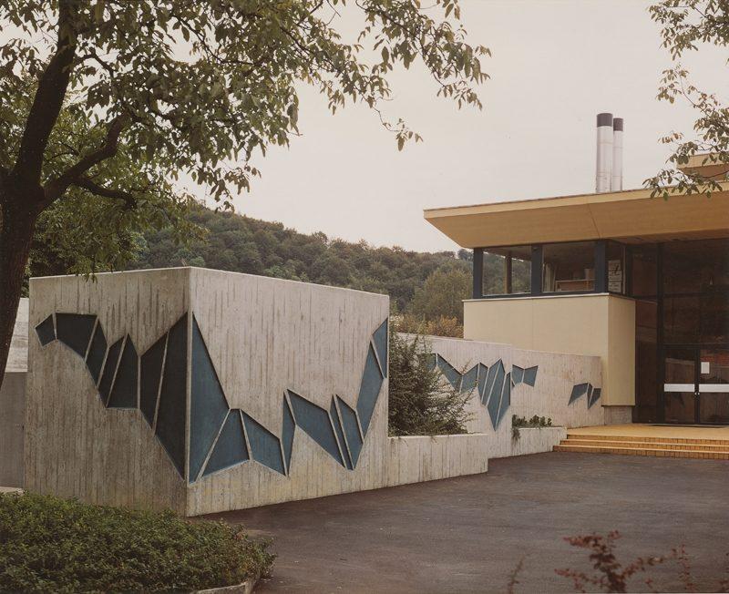 Welle,Betonrelief 1973, Hallenbad Liestal