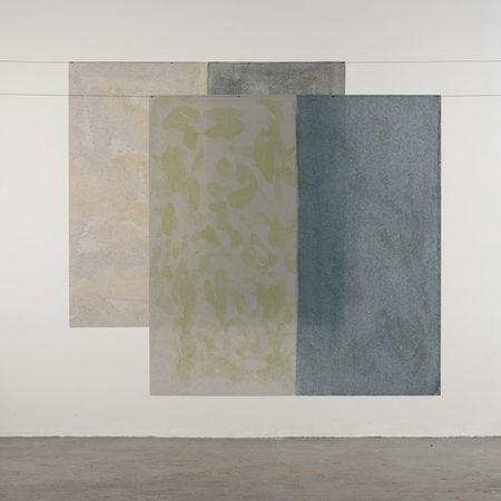 2 noren, 2017, je 103 x 99 cm, Acryl auf Japanpapier Bildlegende mit den Angaben: Titel, Jahr, Grösse,