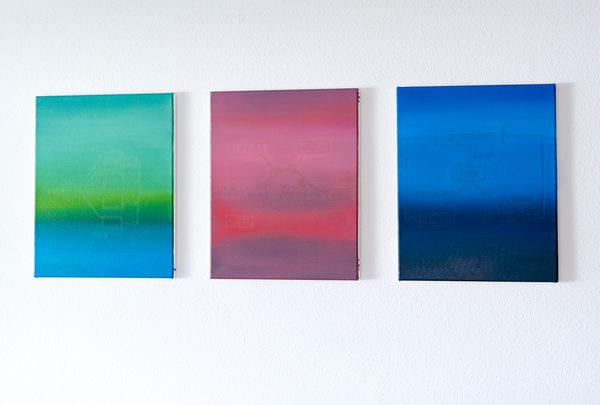 HE STARTS DRAWING IDLE CHARTS, Öl auf Leinwand je 42 × 34 cm, 2019